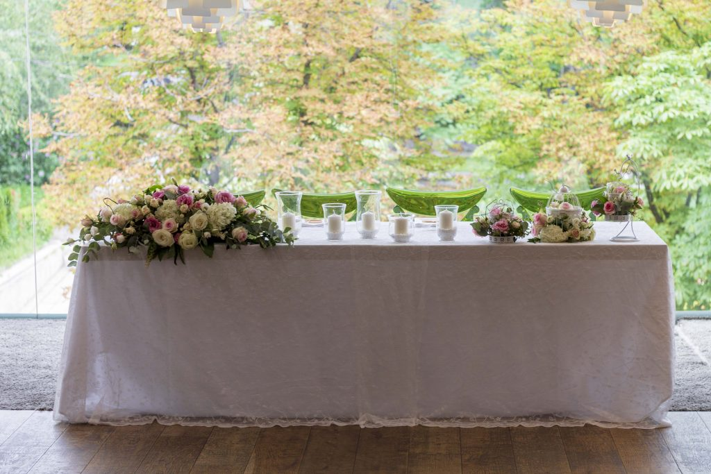 сватбена-маса-декорация